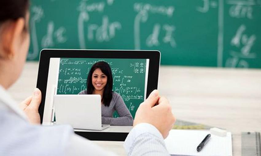 Professores receberão auxílio de R$ 6,3 mil para compra de notebooks e planos de internet